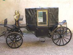 Kutsche , Mittelalter  carriage, middle age  https://www.google.at/search?q=kutsche+mittelalter&source=lnms&tbm=isch&sa=X&ved=0ahUKEwj-wMOk7aHVAhVLbRQKHcSnCRcQ_AUIBigB&biw=1920&bih=949#imgrc=IMClNLytB68_9M: