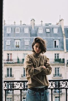 Hair - Tousled and mussed bob, flipped to one side. | Tomboy Style | Alba Galocha | Source: thetrans-atlantic, via sheer