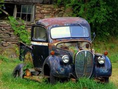 Neat old truck.  Would love to be able to have $$ to restore it!