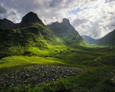 "pagewoman: "" Glencoe, Three Sisters, Lochaber, Scottish Highlands by Ian Cameron """