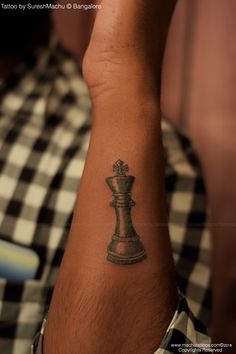 Chess king coin tattoo done by suresh machu from machu tattoo studio. Crown Hand Tattoo, Realistic Tattoo Artists, Tattoos For Guys, Cool Tattoos, Chess Tattoo, Poker Tattoo, Spiral Tattoos, Best Tattoo Shops, King Tattoos