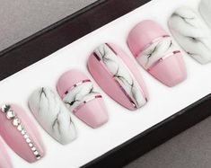 White Marble Press on Nails Fake Nails False Nails Glue On Nails Bianco Carrara Handpainted Nail Art Stiletto Nails, Coffin Nails, Acrylic Nails, Cute Nails, Pretty Nails, My Nails, Natural Fake Nails, Painted Nail Art, Hand Painted