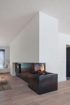 3024 meilleures images du tableau foyer fireplace en 2019 chemin es chemin es modernes et - Cheminee interieur maison ...