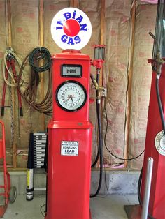 www.M37Auction.com: 1925 Era Indian Gasoline K-Line Gas Pump