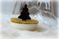 Panna cotta van yoghurt en kokos met passievrucht en chocolade - Truitjeroermeniet
