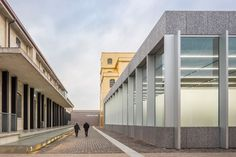 oma-office-of-metropolitan-architecture-simon-garcia-attilio-maranzano-bas-princen-roland-halbe-prada-foundation-in-milan.jpg (1600×1067)