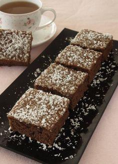 Kolamums med kokos – Lindas Bakskola Bun Recipe, Food Cakes, Cookie Recipes, Banana Bread, Sweets, Candy, Cookies, Desserts, Tips