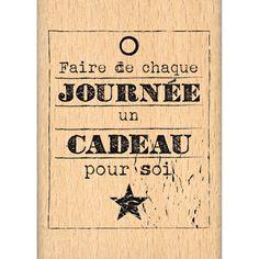 Tampon bois - C'est le Printemps - Cadeau Pour Soi - 5,2 x 4,4 cm Scrapbooking Pas Cher, Message Positif, French Quotes, Messages, Tampons, Some Words, Positive Attitude, Decir No, Just Me
