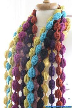 """Una explosión de color!!!!!   Mi Rincon de Crochet -puff stitch """"necklace"""""""