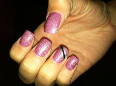 Homecoming nail design