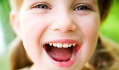 No primeiro dia de outono desejamos-lhe uma belos sorrisos de dentes brancos!