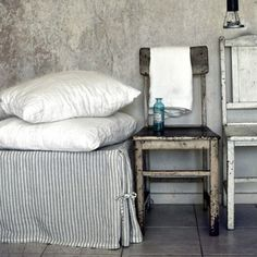 Love this so much @houseofbalticlinen the ticking #linen beds skirt looks amazing  #fortheloveoflinen