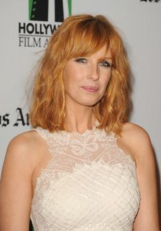More Pics of Kelly Reilly Medium Wavy Cut with Bangs Little Girl Hairstyles, Hairstyles With Bangs, Cool Hairstyles, Short Thin Hair, Short Hair Styles, Jessica Kelly, Kelly Reilly, Red Hair Woman, Gorgeous Redhead