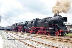 Výsledek obrázku pro parní lokomotivy Steam Locomotive, Train, Vehicles, Montages, Fotografia, Strollers, Trains, Vehicle, Tools