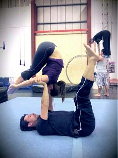 Acrobalance - floating pashi. Tink & Hyper Hamlet