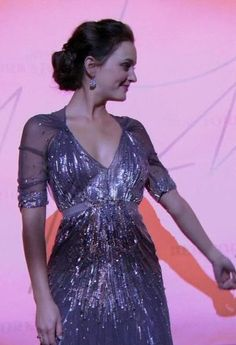 Jenny Packham + Blair Waldorf is a match made in heaven.  Jenny Packham Spring 2011 gown.