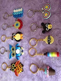 Quilling Keychains, Paper Quilling Earrings, Paper Quilling Flowers, Paper Quilling Cards, Paper Quilling Patterns, Quilled Paper Art, Quilling Dolls, Arte Quilling, Quilling Work