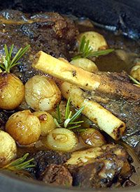 The perfect lamb shank potjie recipe with Checkers' Certified Natural Lamb which is free-range, free of antibiotics and free of added hormones. Braai Recipes, Oxtail Recipes, Lamb Recipes, Meat Recipes, Cooking Recipes, Recipies, South African Dishes, South African Recipes, Africa Recipes
