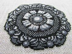 Biscornu Cross Stitch, Cross Stitch Pillow, Cross Stitch Embroidery, Embroidery Patterns, Cross Stitch Patterns, Hobbies And Crafts, Pin Cushions, Cross Stitching, Blackwork