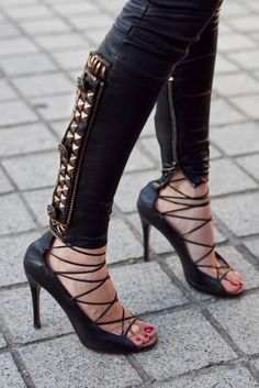She rocks Balmain 90 percent of the time and seems to be all into the details. From her statement jackets to her skinny pants/leggings, Fashion Stylist Barbara Martelo certainly turns head on the s. Look Rock, Lace Up Sandals, Lace Up Heels, High Heels, Strappy Shoes, Barbara Martelo, Studded Jeans, Studded Leather, Black Leather
