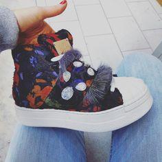 Flower Sneakers €99 su www.chicshoes.eu 📸❤