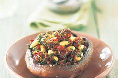 Pilze mit Tomatenfüllung