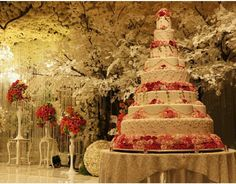 Nigerian wedding grand royal wedding inspired wedding cake