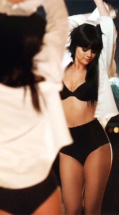 "Selena Gomez: Το νέο video ""Hands To Myself"" έφτασε!"