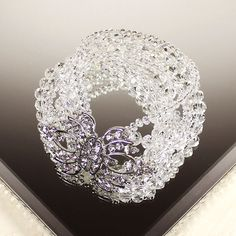 This Victoria bracelet is inspired by the regal Victorian period, perfect for the bride who's after some vintage touches to her wedding. Will also go great with any evening gown for prom or black tie