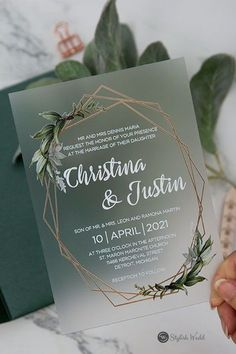 green botanical wedding invitations #wedding #weddinginvitations#stylishwedd #stylishweddinvitations #vellumweddinginvitations