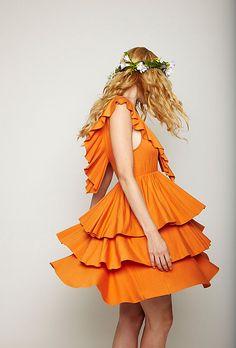 deep tangerine with movement :)