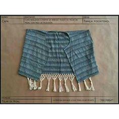 Capa de algodón tejida en el telar de pedal de Pedrl Xochitemol ya disponible en nuestra tienda en linea @kichink  #hechoamano #handmade #textil #textile #modaetica #ethicalfashion #modalenta #slowfashion #comerciojusto #fairtrade #fairtradefashion #revolucionmoda #fashionrevolution #algodón #cotton #pedal #loom