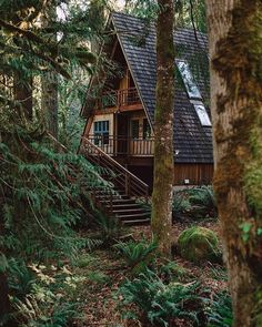 "265 Likes, 3 Comments - Oh How I Love (@ohhowilove_) on Instagram: """"Like"" if you too wouldn't mind escaping the world for a bit in this lovely cabin in the woods...…"""