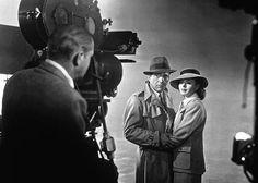 We'll always have Paris Σαν σήμερα στις 26 Νοεμβρίου 1942 την πρώτη της παγκόσμια προβολή στη Νέα Υόρκη η θρυλική ασπρόμαυρη ταινία Καζαμπλάνκα. Βασισμένο σε θεατρικό έργο των Μάρεϊ Μπέρνετ Τζόαν Άλισον με τίτλο Everybody Comes to Rick's. Πρωταγωνιστούν ο Χάμφρεϊ Μπόγκαρτ η Ίνγκριντ Μπέργκμαν και ο Πολ Χένριντ σε σκηνοθεσία του Μάικλ Κερτίζ. Η ταινία τοποθετείται στην εποχή του Β Παγκοσμίου Πολέμου και επικεντρώνεται στο δίλημμα ενός Αμερικανού που ζει στην Καζαμπλάνκα ο οποίος έχει να…