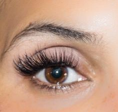 Star Lashes - One of my favorite extension looks combines fat fluffy volume fans with tight dark skinny volume fans to create a spiky, eye opening effect. Eyelashes How To Apply, Fake Lashes, Longer Eyelashes, False Eyelashes, Eyelash Extensions Aftercare, Eyelash Extensions Styles, Individual Eyelash Extensions, Cut Crease Makeup, Eye Makeup