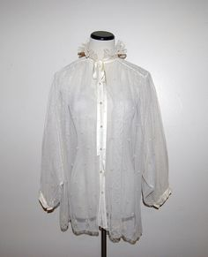 Vintage Blouse Ivory Romantic Lace by CheekyVintageCloset on Etsy, $24.00