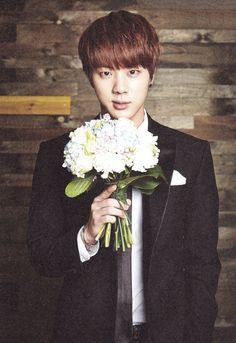 Jin and a bouquet of hydrangeas. Hydrangeas are my favorite flowers... it means sincerity.