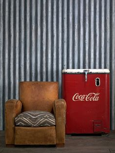 hunter Jones vintage   coragated wall paper - how cool