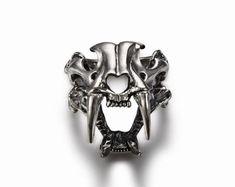 Sterling Silver Sabertooth Skull Ring