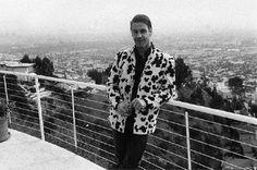 Till Lindemann in a questionable choice of jacket. Till Lindemann, Christoph Schneider, Houses Of The Holy, Rare Photos, Led Zeppelin, Beautiful Men, Rockers, Jacket, Cinnamon Rolls