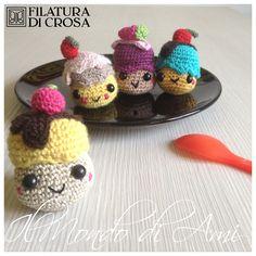 """Portachiavi """"cupcake"""" realizzati con i filati EXCELLENT e ZARINA (Filatura di Crosa)"""
