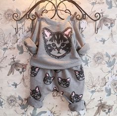 Retail 2015 Autumn style Infant clothes Clothing sets Cotton Cute Cat 2pcs(Full Sleeve + Pants) Baby girl clothes Free Shipping