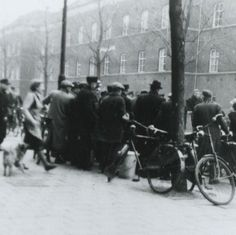 On this day 25 February 1941 a general strike was called in the Netherlands against the anti-Jewish measures of the occupying Nazis. Organised by communists it was largely repressed the next day and key activists sent to the concentration camps although some survived the war. . . . #history #tdih #onthisday #peopleshistory #radicalhistory #laborhistory #OtD #thisdayinhistory #antifa #fascism #Jewish #Netherlands