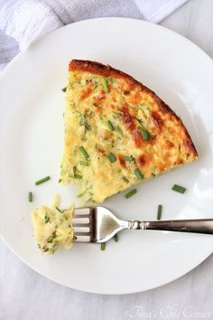 Crustless Zucchini Pie – Tina's Chic Corner Low Carb Zucchini Recipes, Zucchini Pie, Low Carb Recipes, Cooking Recipes, Healthy Recipes, Weight Watchers Zucchini, Vegetable Recipes, Vegetarian Recipes, Breakfast Recipes