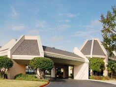 Bossier City (LA) Rodeway Inn & Suites At the Casino United States, North America Located in Bossier City Center, Rodeway Inn & Suites At the Casino is a perfect starting point from which to explore Bossier City (LA). The hotel offers guests a range of services and amenities designed to provide comfort and convenience. Free Wi-Fi in all rooms, Wi-Fi in public areas, car park, pets allowed are on the list of things guests can enjoy. Non smoking rooms, internet access – LAN (com...