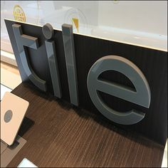 Tile Electronics Grab-And-Go Display At Sprint