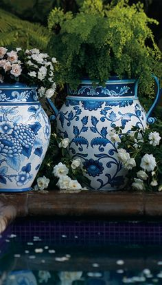 Blue and White Painted Planters. Spring into Blue: The Season's Hottest, Coolest Hue. Blue And White Vase, Blue Yellow, Old Fashioned Wedding, Chinoiserie Chic, White Gardens, Arte Floral, Love Blue, Blue China, White Decor