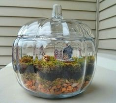 Halloween Terrarium I finally made my own little terrarium! I added tiny spooky props because I live and breathe Halloween all year long. It's simple to create, inexpensive, and adds a lot of. Halloween Fairy, Halloween House, Holidays Halloween, Halloween Crafts, Holiday Crafts, Holiday Fun, Happy Halloween, Halloween Garden Ideas, Halloween Flowers