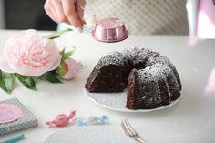 GLUTEN FREE SJOKOLADE KAKE & SALT KARAMELL SAUS | Passion 4 baking