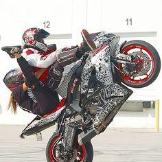 """#Motorcyclestunts #motorcycle #stunts #weeling #bike #ride #king #killthestreet #bikelife #fire #drifting #monster #crazy #fun #friend's"""